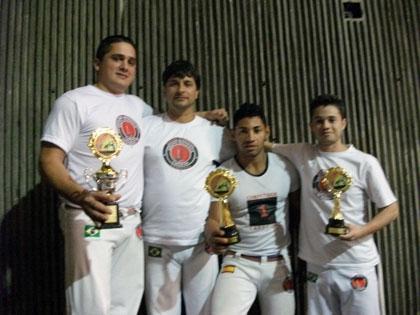 Instrutor Fábio, Mestre Ary, Instrutor Magrela, e Meio Grande - 2010