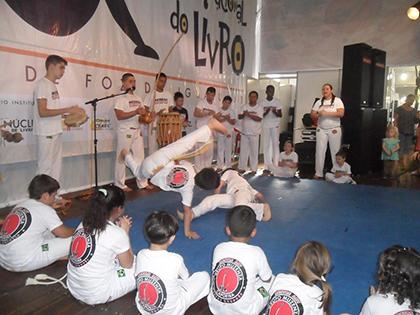 Roda de Capoeira no Salão do Livro 2013